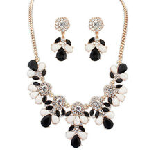 Black White Fashion Jewelry Flower Necklace and Earring Set NEW!!