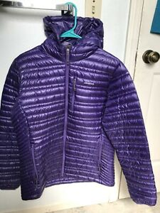 PATAGONIA Ultralight Down Hoody Jacket Concord Purple Women's Size Large