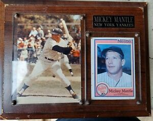 Vintage Mickey Mantle Wood Plaque With Mickey Mantle 1987 Topps Nestle #17 card