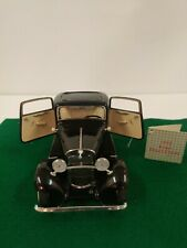 New ListingFranklin Mint 1/24 Scale 1932 Ford Deuce Coupe - with tag.