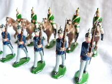 11 soldats de plomb allemands ou autrichiens au défilé - Guerre 1914-1918 Lot 11