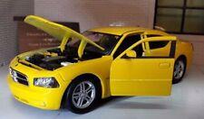 Coche de automodelismo y aeromodelismo color principal amarillo vaciado
