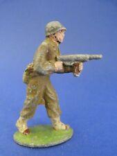 QUIRALU - Soldat américain avançant avec sa mitraillette - Q74