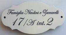 Targa in ceramica sagomata incisa con fori_colore bianco latte_13 x 7,5 cm