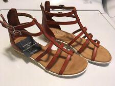 NIB Chaps Ralph Lauren Women's 6 Gladiator Tan Sandal Comfort Sole Shoe Back Zip
