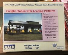 IHC #3505 - HO - FREIGHT STATION WITH LOADING PLATFORM - NEW