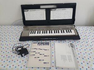YAMAHA PORTASOUND PC-100 PLAYCARD KEYBOARD + HARD CASE W/ CARDS VINTAGE 1982