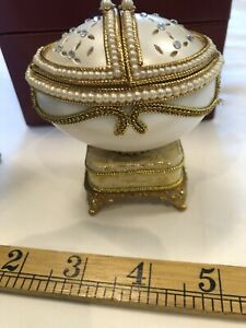 Genuine Duck Egg Decorated Musical Gift/ring Box