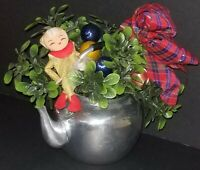 VINTAGE CHRISTMAS METAL TEA POT PIXIE ARRANGEMENT TABLE DECOR