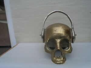Awesome bespoke gold coloured metal art skull with headphones sculpture WOW LOOK