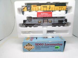 Proto 2000 Ho 23482 SD-60 locomotive, C&NW 8029