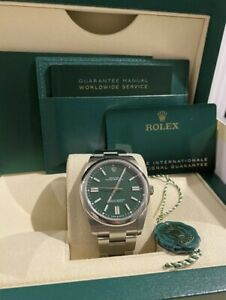 ROLEX Oyster Perpetual 41mm 124300 GREEN Dial Unworn 2021