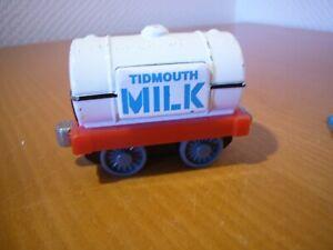 Thomas und seine Freunde Milk Tanker Take along N-Play Vitrine neuwertig