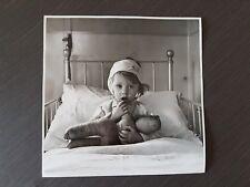 fotografia cecil beaton  bomb victim london 19.6x19.6cm come descrizione retro