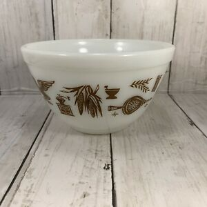 Pyrex Ovenware Bowl Early American 1 1/2 PT 401 Brown White 13 USA