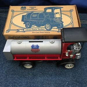1910 Mack Tanker Bank w/Key Ertl Collectible Union Oil Company Die-Cast 1997 NEW