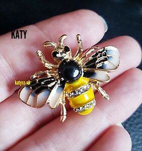 Vintage Style Gold Small Bumble Bee Black Enamel Crystal Brooch Pin Insect Gift