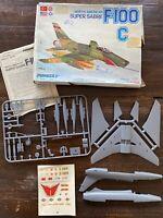 Vintage North American F-100C Super Sabre 1:72 Plastic Model Kit: Series 4-4004