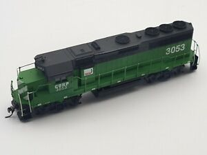 HO SCALE USED - ATHEARN - CENTRAL OREGON & PAC GP40-2 - DCC/LIGHT RD# 3053
