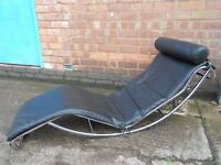 DESIGNER BLACK LEATHER CHROME FRAMED CHAISE LONGUE CHARLES CORBUSIER NO STAND