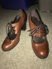 BORN Leather Granny Oxford Lace Up Heels Size 40.5