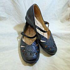 🩰 Kumfs Mary Janes sz 8.5 M Black Leather; Pierced Details