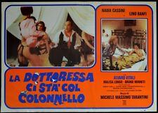 fotobusta LA DOTTORESSA CI STA' COL COLONNELLO CASSINI LINO BANFI VITALI SEXY
