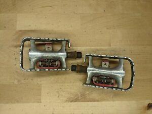 Flat / SPD clipless MTB pedals dual sided D2