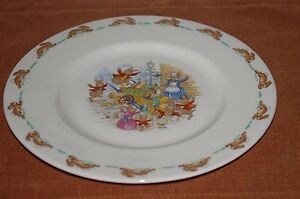 """ROYAL DOULTON MADE IN ENGLAND BUNNYKINS 8"""" PLATE FINE BONE CHINA FOOD FIGHT"""