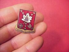 ORIGINAL WWII 213TH ARTILLERY REGIMENT DUI / DI INSIGNIA PIN - EBY