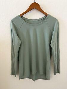 LULULEMON Long Sleeve Top size 8 Pale Green