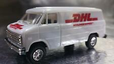 Trident 90102 D H L Delivery Vehicle HO 1:87 Scale
