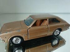 Tomica Dandy 22 Toyota Corolla Lift Back Liftback Gold 1:45