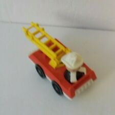 FISHER PRICE Vintage LITTLE PEOPLE Play Family FIRE ENGINE with WOODEN FIREMAN