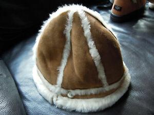 UGG Hut Mütze mit Logo nagelneu camel Größe 0 / S