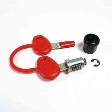Cerradura de cierre standard Z140R para baules Givi