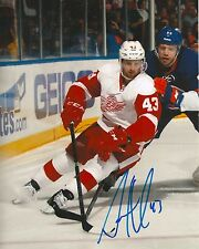 DARREN HELM signed DETROIT RED WINGS 8X10 PHOTO COA
