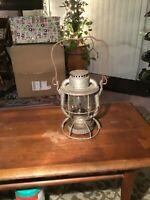 Vintage Dietz Vesta B&M Railroad RR Lantern With EMBOSSED Clear Glass Globe