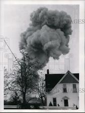 1963 Press Photo Fireworks explosion in St. Clairsville, Ohio. - cvb05565