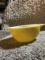Vintage 1940's Canary Yellow Pyrex Bowl