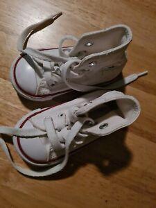 Toddler White hi top Converse Size 4