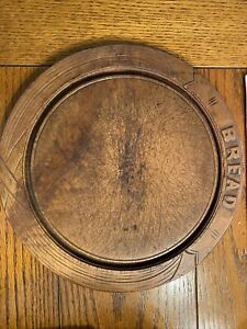 EARLY PRIMITIVE ANTIQUE WOODEN ROUND BREADBOARD HAND