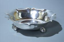 Schale auf 3 Kugelfüssen --------------- 830 Silber ------- Durchmesser 22,8 cm