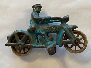 """VINTAGE 1930s HUBLEY CAST IRON COP MOTORCYCLE & DRIVER W/NICKLE WHEELS 4 """" LONG"""