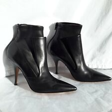 NWT Givenchy 1095$  40EU(10US) Black Leather Medium Heel/ Back Zipper Booties