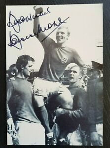 Bobby Moore Hand Signed England World Cup 1966 & West Ham United Captain