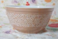 Vintage Pyrex Mixing Bowl Woodland 402 1.5L Nesting Stacking Brown Tan USA