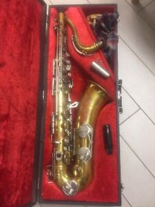 Saxophone ténor DOLNET STUDIUM bon état