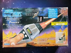 Star Trek The Next Generation TNG Type 2 Phaser Electronic Playmates Toy Prop