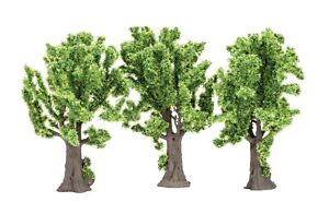 Brand New Hornby 00 Gauge SkaleScenics Maple Trees Three Pack Accessory.
